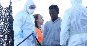 Sbarco di migranti a Salerno